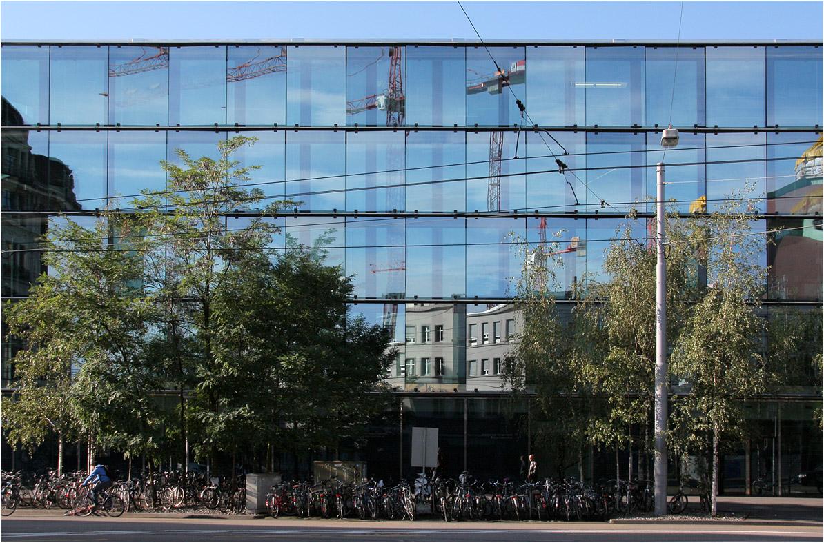 B rogeb ude els ssertor in basel die fassade entlang - Architekten basel ...