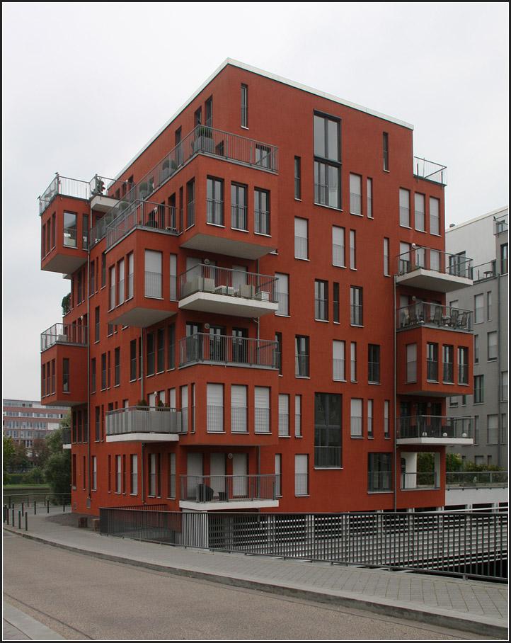 wohnen am wasser 39 wohnen am wasser 39 in mannheim foto. Black Bedroom Furniture Sets. Home Design Ideas